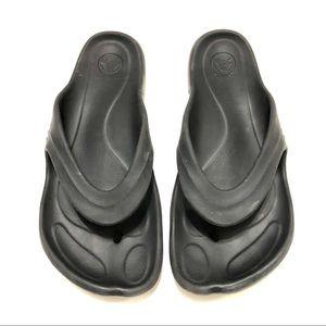 Crocs Thong Sandals size 10
